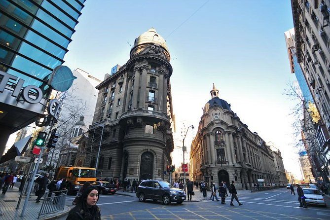Get to know the Chilean capital on this 4-hour tour of Santiago by luxury coach. In a small group of no more than 12 with an local tour guide in your language so you don't going to miss any detail of the chilean history, daily life in this interesting tour. <br><br>Visit such landmarks as La Moneda, Cerro Santa Lucia, and the Metropolitan Cathedral of Santiago. Also, explore the city's diverse neighborhoods, from the bohemian Barrio Bellavista to affluent El Golf with it's modern towers.<br><br>This is the best option to know the city with good balance between walks and drive which will allow you to know interesting areas that are far from each other and not always are visit by the tours. Always with enough time to stop explore and take many pictures. <br><br>After the tour you will feel very comfortable to go explore for yourself and enjoy the evening in your favourite neighborhood.