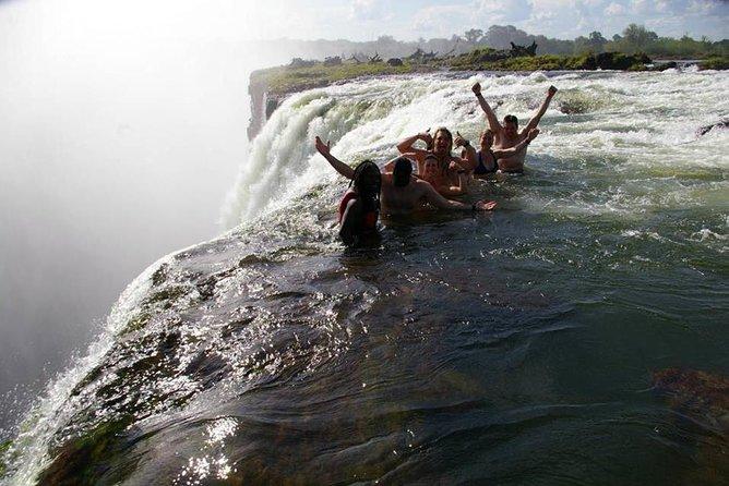 Kasane to Victoria Falls Private Transfer, Cataratas Victoria, Zimbábue