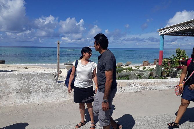 This exciting 2.5-hour sightseeing tour takes you through the capital Grand Turk, aboard a comfortable minivan. It also offer complimentary drinks. We will visit Grand Turk landmarks, like The John Glenn Center, for spectacular photo ops, and you will experience the city's unique charm:<br><br> colonial sites, monuments, the Lighthouse, (where you can photograph and pet the donkeys) Museum, and other sites of interest.. <br>