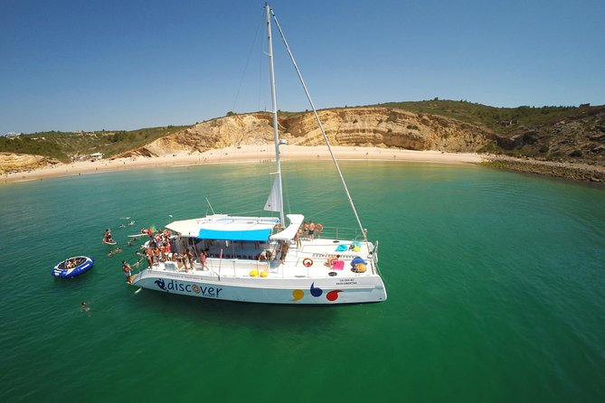 Enjoy this amazing 3 hour Coastal cruise on a beautiful sailing catamaran along the cliffs and caves of Ponta da Piedade. Witness the unique rock formations and amazing golden beaches of the Western Algarve. <br><br>Relax, sip a cocktail and soak up the sun. Dive into the beautiful calm waters of the Atlantic Ocean and use the snorkelling gear, paddle boards and water trampoline in an afternoon of excitement and fun.