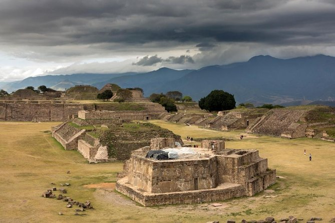Visit the impressive archeological ruins of Monte Albán and discover one of the most important sites of the Zapotec culture. Enjoy panoramic views over the city and the valley of Oaxaca from this privileged place.