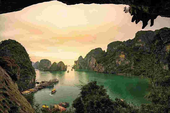 MÁS FOTOS, Crucero de noche en la bahía de Ha Long con kayak, Tai Chi, natación...