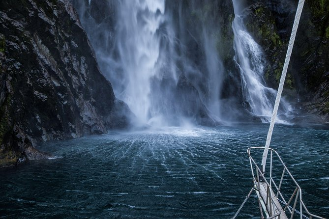 Full-Day Milford Sound Hiking Tour with Cruise, Te Anau, NUEVA ZELANDIA