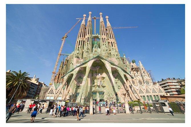 Acceso matutino a la Sagrada Familia con acceso opcional a la torre, Barcelona, ESPAÑA