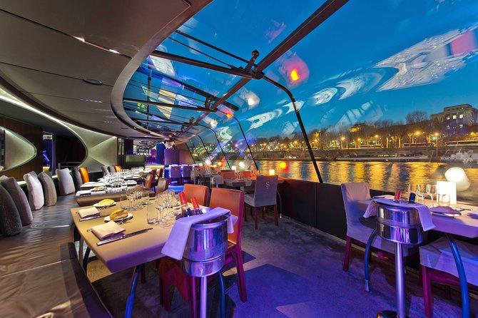 Crucero y cena a bordo Bateau Mouche por el río Sena, Paris, FRANCIA
