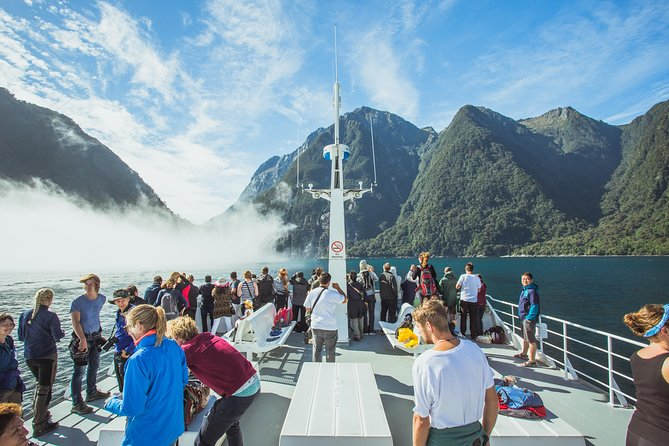 Milford Sound Cruise with Optional Bus Tour, Te Anau, NUEVA ZELANDIA