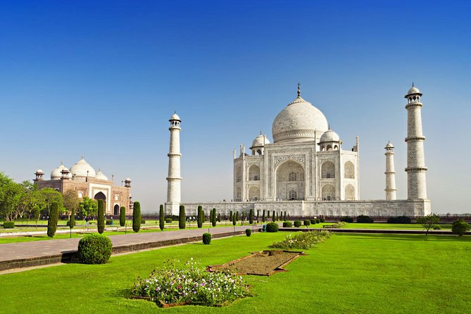 The beauty of Taj Mahal is beyond any comparison and who ever watch this monument the only thing one can take away is The true icon of love. We have planned Rajasthan tour with Taj for 14 days where you can enjoy traveling & touring through the most beautiful places of this state along and summing up this tour with the guided tour of Taj will become the most charming memory of the tour.<br>