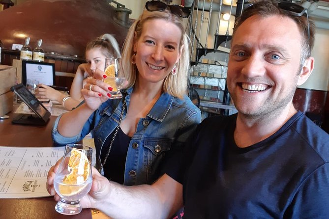 This tour showcases a mix of iconic & smaller wineries and finishes the day with a fun Gin Botanical tasting of different Gins. Your local guide gives you plenty of time to meet the people behind the Barossa Labels.
