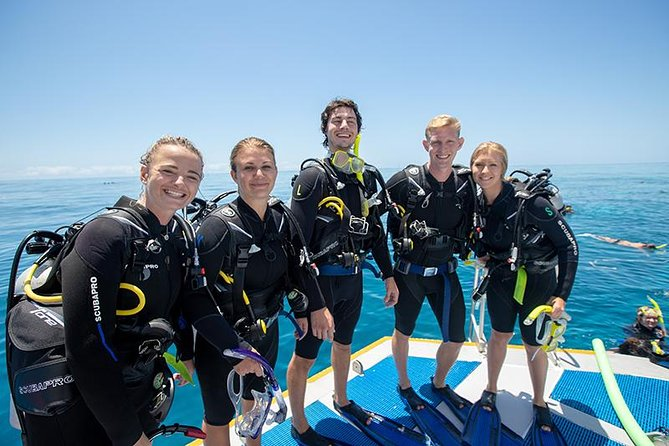 Great Barrier Reef Diving and Snorkeling Cruise from Cairns, Cairns y el Norte Tropical, AUSTRALIA