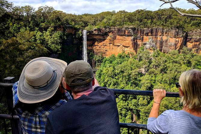 Wildlife Waterfalls and Wine Day Tour from Sydney, Sidney, AUSTRALIA