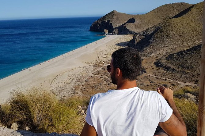 An unforgettable experience discovering the beauties of the Cabo de Gata Natural Park, a unique piece of nature with its wild landscapes, rugged sea cliffs, and remote beaches. Make a walking tour in Mojacar, a historic whitewashed village of Moorish origin.