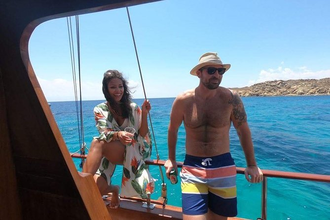 South Coast Cruise with BBQ&drinks, optional transfer, Miconos, Greece