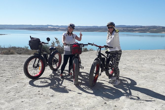 E-Bike Guided Adventure: Blue Lake and Natural Park, ,