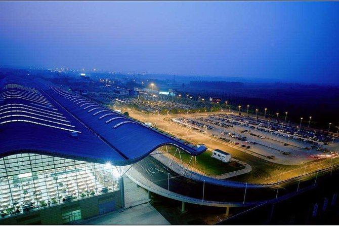 Private Zhenzhou Airport Transfer from Luoyang, Luoyang, CHINA