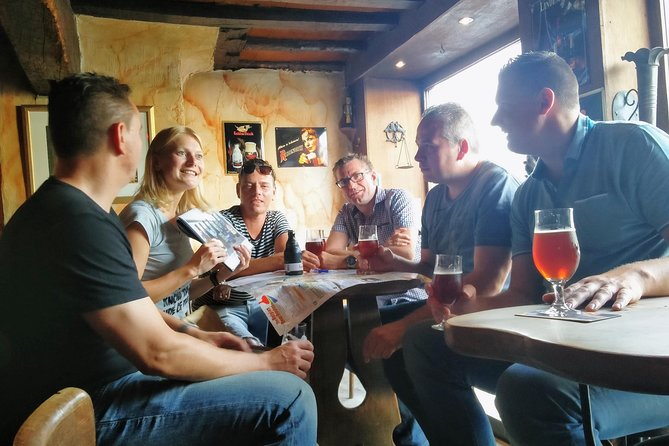 MÁS FOTOS, Private: Discover Bruges beers & brewery with chocolate pairing by a young local