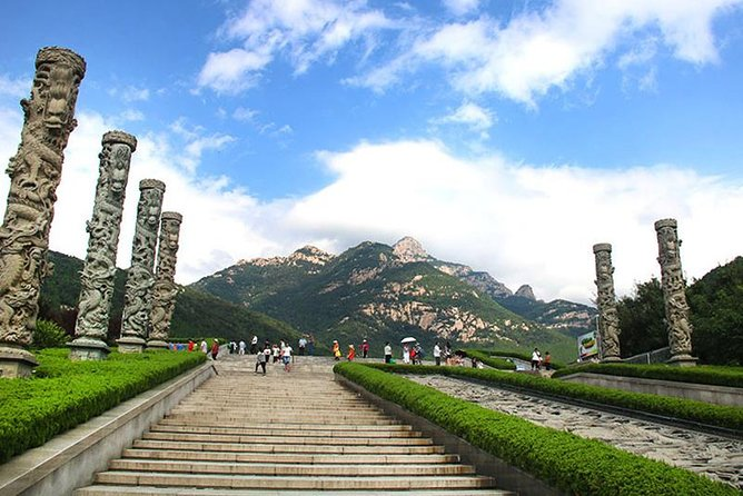 1. Visit the famous Kong Family Mansion, Temple of Confucius, and the Cemetery of Confucius<br><br>2. Soak up Chinese Confucian Culture<br><br>3. Witness a stunning view of China's most sacred mountain - Mount Tai<br><br>4. Travel with a personal & knowledgeable English-speaking guide <br><br>5. Enjoy a 100% private transfer service