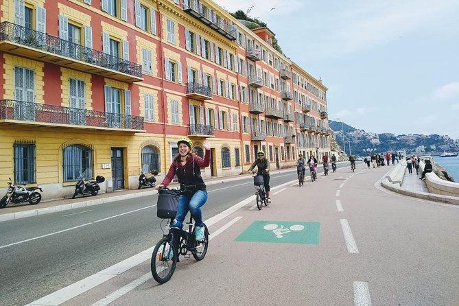 Enjoy the best of Nice on a bike tour with a local English-speaking guide. This is an extraordinary opportunity to experience Nice as not many do! You will cycle along stunning beaches, grand streets and majestic plazas. Discover hidden Baroque churches, awe-inspiring Belle Époque palaces, super-cool bars and bistros, and winding medieval alleyways. The Nice City Bike Tour will take you from the chic hangouts of modern film stars to the haunts of prehistoric man.