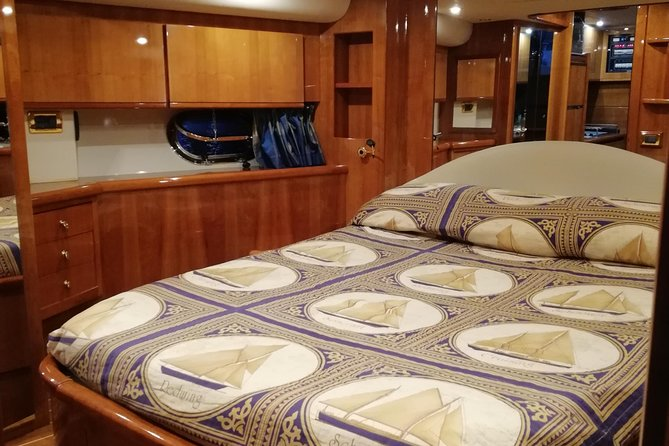 Cruise to Capri and Amalfi coast from Positano or Amalfi - yacht 50', Amalfi, Itália