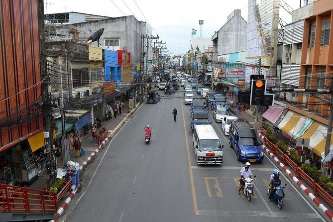 Koh Tao to Nakhon Si Thammarat Town by Lomprayah Catamaran and Shared Minivan, Ko Tao, Tailândia