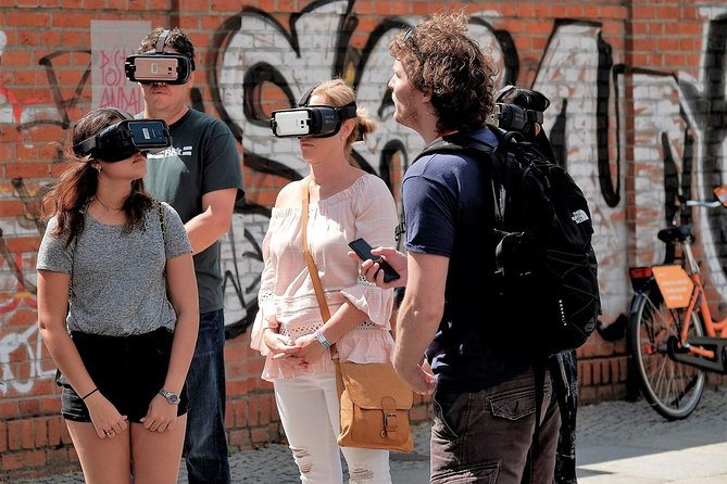 Small Group East Berlin Stories with a Unique Virtual Reality Experience, Berlim, Alemanha