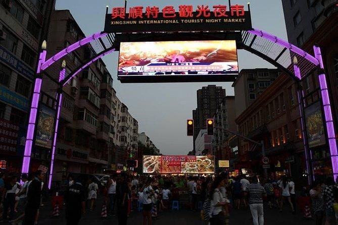 4-Hour Private Tour to Shenyang Zhongshan Square and Xingshun Night Market, Shenyang, CHINA