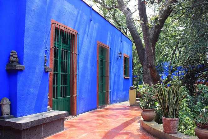 Mexico City Super Saver: Coyoacán and Frida Kahlo Museum plus Xochimilco and National University, Ciudad de Mexico, Mexico