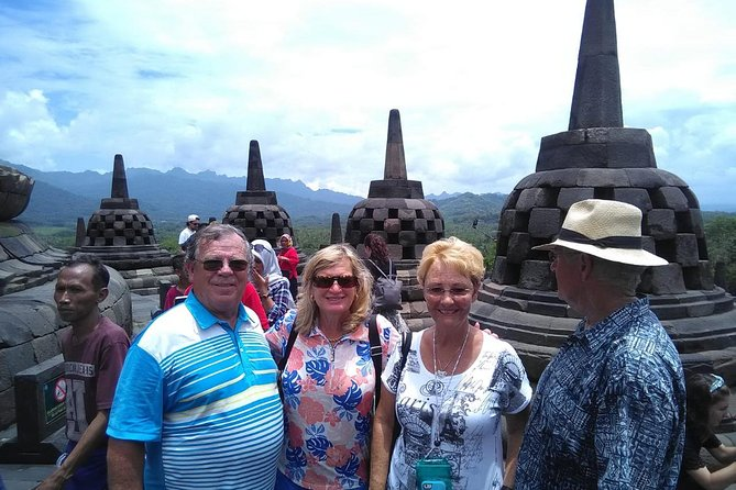 This tour suitable for cruise traveller, that need to back to the port on time. our proffesional team have been doing this tour since 2010 and always back to the port on time. Pick up directly at the cruise port with airconditioned car and tour guide. you will drive to Borobudur temple, along the way you wil see the beautiful nature of central java and local activities