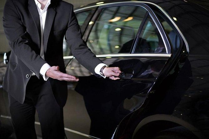 Relish less stress with this convenient and private Ankara arrival transfer. We have a wide range of vehicles in our fleet to accommodate all type of travelers. For individual transfer, we offer saloon type vehicles. For your group transfer, we offer Minivans and Minibuses. Once you arrive at the airport, a member of our team will be waiting at the arrivals hall. Then, you will take a leisurely ride directly to your hotel avoiding any hassles. <br>• Stress-free meet-and-greet arrival in Ankara<br>• Private door-door transfer between Ankara Airport and your centrally located Ankara hotel <br>• Comfortable seats with generous leg room, air conditioning, and luggage storage <br>• Enjoy smooth, friendly and hassle-free transfer service Meet and greet by a professional staff and drivers<br>• Private transfers operate 24 hours, 7 days a week