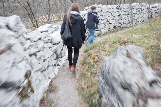 Carso War & Wine: nature walk with wine tasting, Trieste, ITALIA