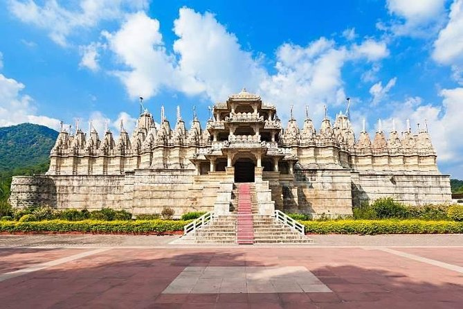 Leave Jodhpur behind and head to the gorgeous city of Udaipur on this full-day excursion. Visit some of the most popular<br>attractions including the Jain Temple in Ranakpur and Kumbhalgarh Fort, a UNESCO World Heritage site. Learn about the history<br>of the temple and the fort and enjoy great views. And then get dropped off at your hotel in Udaipur.
