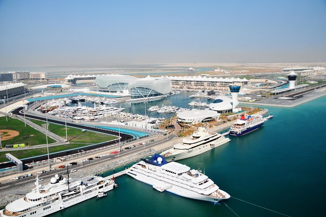 Excursión de 90 minutos para grupos pequeños del Circuito de Yas Marina, Abu Dabi, EMIRATOS ARABES UNIDOS