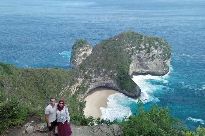 Penida Island is one famous island near Bali. This tour will help you to explored this island in oneday and see lot of amazing view like: White rock, beautiful cliff, swim on the white sand beach, etc. This program very easy and simple you just wait us at your hotel and the end we also drop you until hotel.