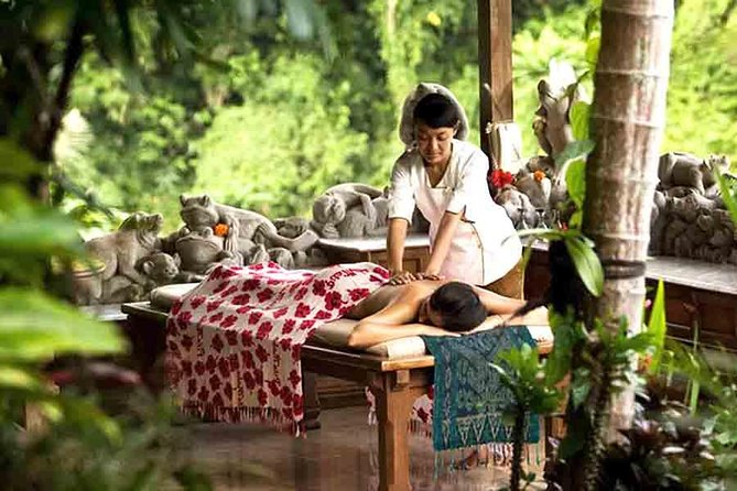 Feel the finest and the best spa in Bali! Royal Kirana Spa is one of the most exquisitely Spa designed in South East Asia. Unlike the common spa which offering indoor treatment, Bali Royal Kirana pampers you with spa in the special venue. The spa was built following the contours on an eastern side of the Ayung River valley, with some villas featuring treatment tables and private pool. The spa presents the exclusive various treatments from 1 - 2 hours. Get the wellness of the royal treatment with overview Ayung river, and the scenic view of Ubud nature, and exotic nuance from sculptures and Balinese ornaments. Indulge in healing treatment while breathing the fresh air! Just looking around and you will feel the tranquility of the nature that can help your mind and body relax. For certain treatments, you can also use the pool facility after the treatment. Have an extraordinary spa experience in Royal Kirana Spa!
