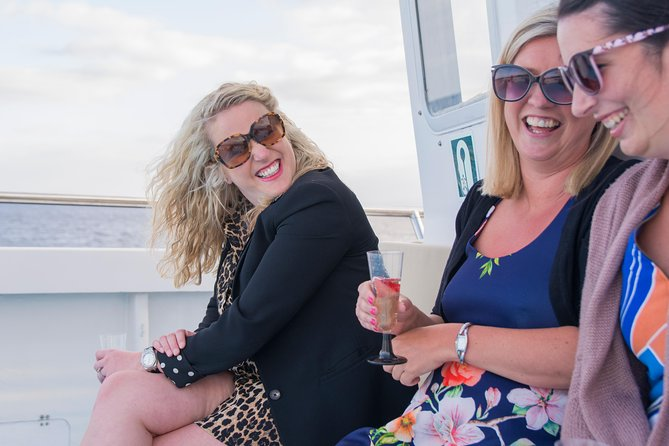 Lanzarote's Best Sunset Cruise With Drinks, Canapes, Champagne Welcome & Music, Arrecife, ESPAÑA