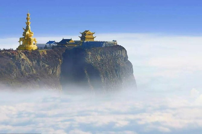 In this private tour, you will visit Chengdu Giant Panda, Leshan Giant buddha and golden summit of Mt Emei.
