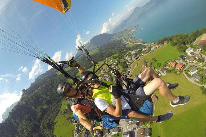 With us you will live a unique experience of paragliding, you will positively remember for a lifetime. Fly with us through the beautiful foothills of the Alps around Lucerne and Engelberg. We are an international team of pilots with a lot of flying experience.<br><br>Our top priorities are safety, trust and the well-being of our passargers for you an unforgettable flight experience.<br><br>We fly from the best fleing spots in Switzerland, e.g. Engelberg (Brunni & Führenalp); Engelbergertal; Niderbauen (Emmetten); Mount Pilatus (Lucerne).<br>