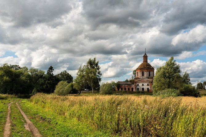 This is a totally unique 4-days road tripping from Moscow to St. Petersburg across the real Russian countryside!<br><br>As you know, there is a great difference between Moscow and all other Russia... It is not easy to understand life here when you are stuck in a traffic jam on your way to Kremlin with a coffee in your hand! <br><br>The concept of this tour is to show you the real Russia with numerous small towns, pristine nature, abandoned churches and the common life of ordinary people. <br><br>The itinerary is perfect for those who are going to St. Petersburg. It takes only 2 hours to get there by a local train.<br><br>Tour highlights:<br> • Road-tripping from Moscow to St. Petersburg <br> • Ecotour along the Volga River <br> • Real Russian countryside <br> • Off-roading and caving <br> • Soviet military van <br> • Novgorod The Great: the oldest town in Russia