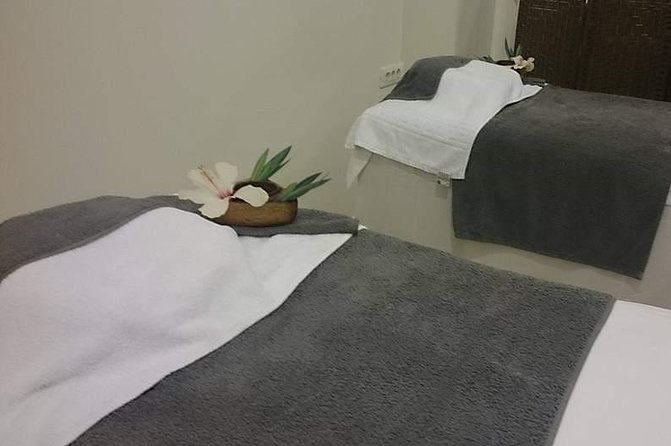 Signature one hour full body massage is a mix of massaging techniques that promise relaxation.