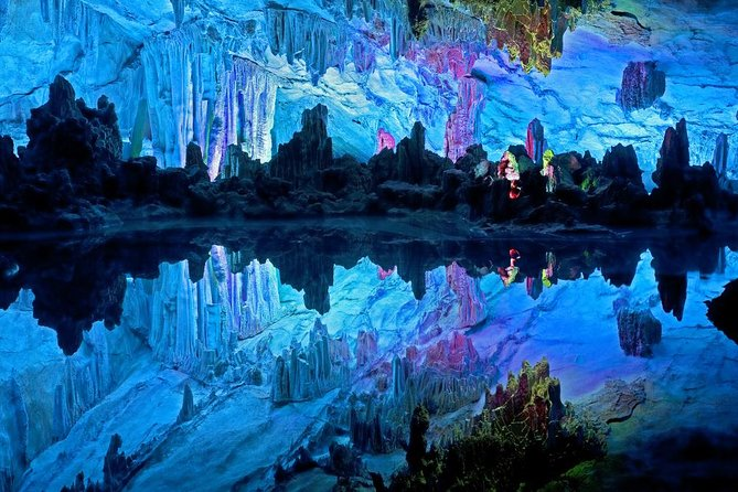 Guilin and Yangshuo Day Tour with Li River Cruise and Reed Flute Cave, Guilin, CHINA