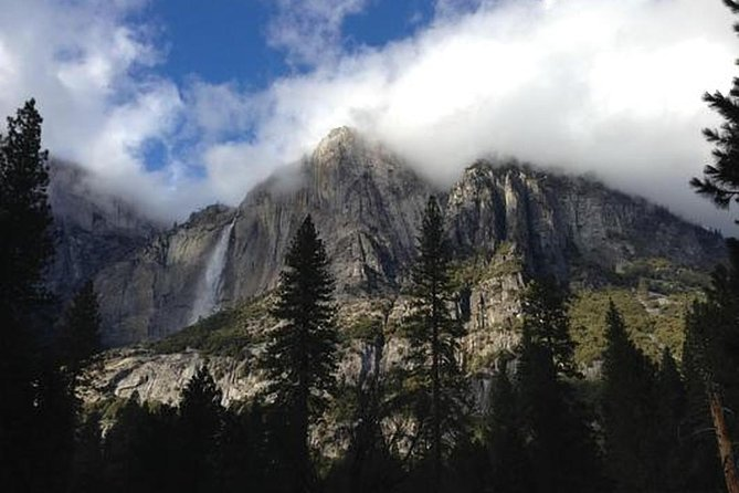 Download a vibrantly-narrated mp3 audio guide combined with a map detailing the area of your tour.<br><br>The glory of the Sierra Nevada awaits you on this hike of the Panorama Trail in Yosemite National Park. One of the United States of America's most celebrated (and visited) natural wonders, it is not exaggeration at all to describe the views you will see on this tour as 'breathtaking'. This audio tour is not just about stunning vistas however. As you make your way along the trail, you'll be informed and entertained by eclectic tales of local history both recent and thousands of years old.<br><br>Some of the locations you will have the opportunity to visit include:<br><br>Illilouette Fall<br><br>the Emerald Pool<br><br>Nevada Fall<br><br>Glacier Point<br><br>Whether you are an outdoor enthusiast, history buff, curious about geology or a compulsive collector of new experiences, this audio guide has something for everyone.<br><br>Your Tour. Your Way.