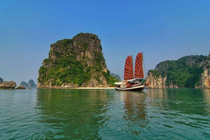 Halong Bay boat Tour 4 hours from Halong city, Halong Bay, VIETNAM