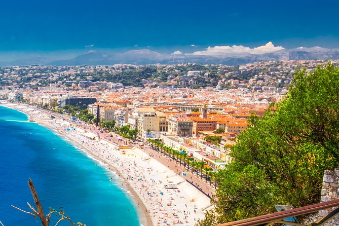 ➡️Discover Nice with a LOCAL - BORN AND RAISED⭐️<br><br>➡️TIPS of the BEST RESTAURANTS where local eats. (local food) ✨<br><br>The walking tour of Nice is an essential part of the time spent by all visitors to the Côte d'Azur: iconic sites and a dive into the fascinating history of the city await you!<br><br>BEST PRICE GUARANTEED in NICE✅<br><br>➡️The tour lasts around 2H15 minutes give or take depending on how busy it is in the old town.