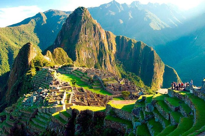 Book your transit, admission, and guide for the most important site in Peru: Machu Picchu. Avoid crazy crowds and long lines: simply rest and prepare for the trip ahead. Enjoy pickup in Aguas Calientes. Meet your guide upon entering Machu Picchu.<br>