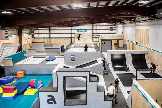 Do you know why athletes in many different disciplines always progress and continuously are able to perform new tricks? It's because of trampolines. Now you too can train as they do by starting with the basics.