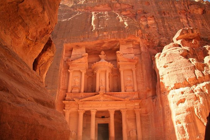 Discover the beauty of the Red Rose City Petra through a private tour and transportation with an English speaking driver. You can choose on the given options to have a local guide with you or be by your own, and the option to include lunch.