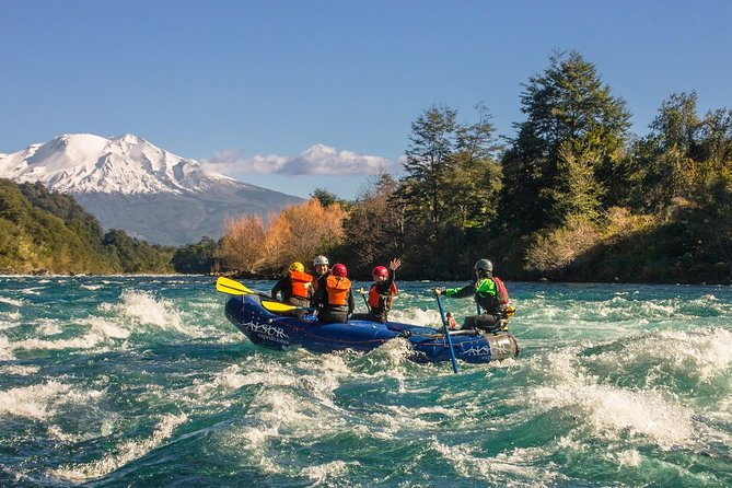 Come and join us to row in one of the most beautiful rivers in Chile: Petrohué River. You will descent a type III river and will be able to admie the beauty of Vicente Pérez Rosales National Park. Experts guides will take you for an hour and a half of descent, admiring Calbuco, Osorno and Puntiagudo volcanos.