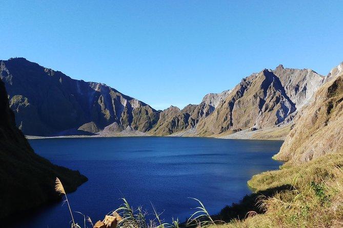 Excursión de un día al cráter del monte Pinatubo desde Manila con aventura en 4x4 y senderismo, ,