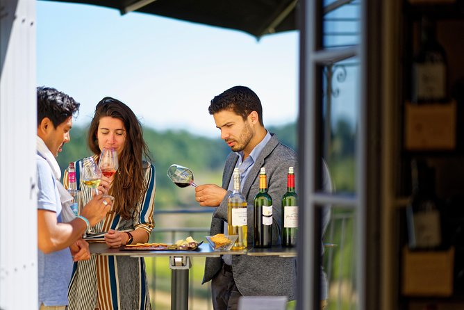 You discover here several different wines.Including whites, reds and old vintages. Everything is available by the glass.<br><br>You will not see the time passing, with an air of jazz, our terrace and an exceptional view on the vineyard.<br>