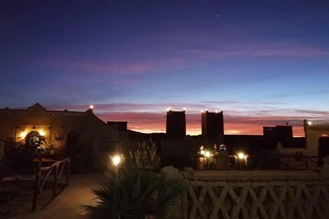 Noche en el desierto de Fez para grupos pequeños con paseo en camello y campamento en el desierto, Fez, MARRUECOS