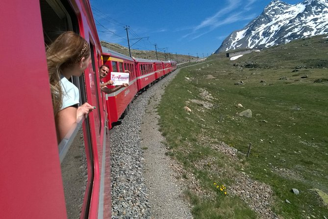 Discover the enchanting beauty of the Alps on board the highest train in Europe with an expert guide. Through breathtaking landscapes you will arrive in Switzerland in the tourist town of St. Moritz. Here you can taste delicious desserts or go shopping in luxurious shops. <br> • 2-hour and 20-minute train ride <br> • English explanation on the train <br> • Taste the delicate chocolates in a renowned pastry shop <br> • Stroll through the luxurious shops <br> • Travel by comfortable coach